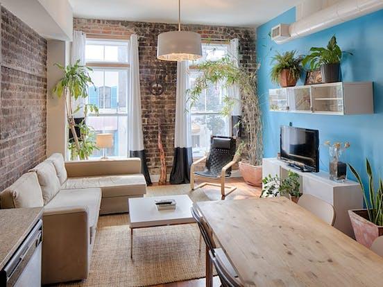 Vacation rental living area in Savannah