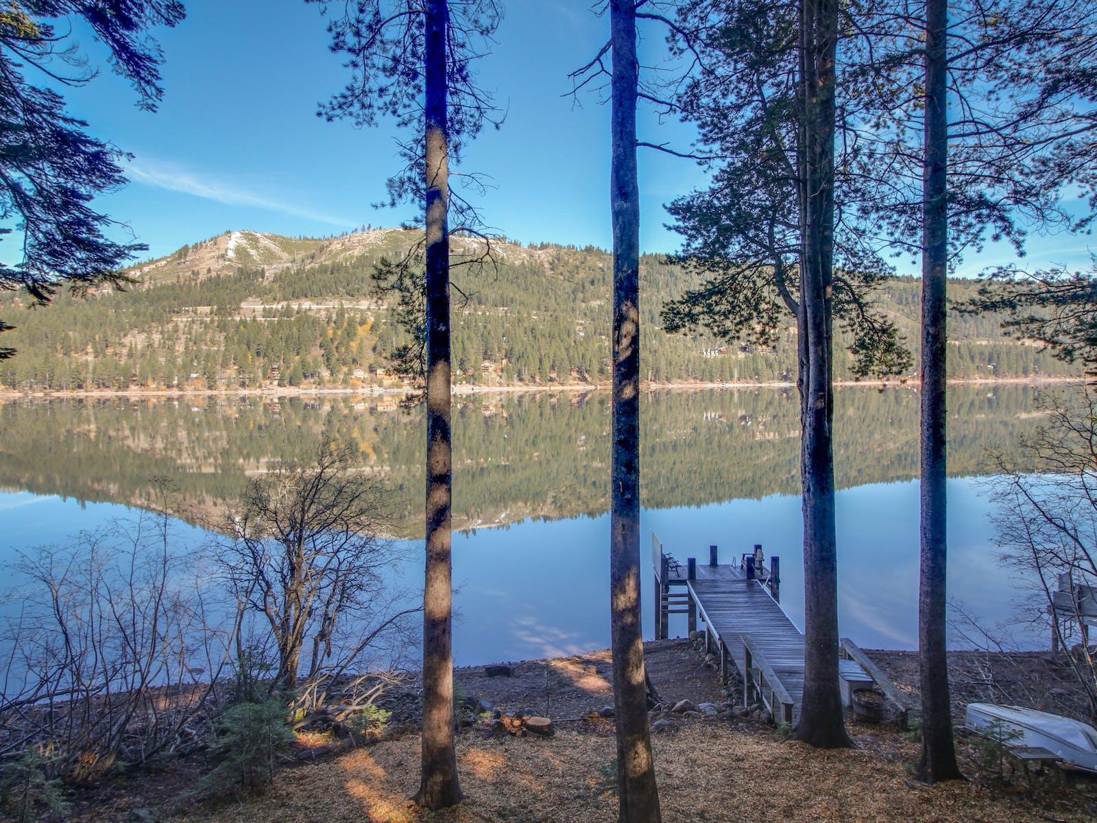 Vacation rental dock in Tahoe