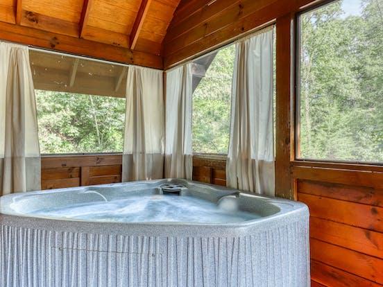 Pet-friendly cabin hot tub in Gatlinburg, TN