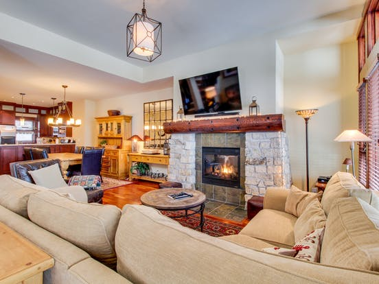 dog friendly vacation home in mammoth lakes, ca with fireplace