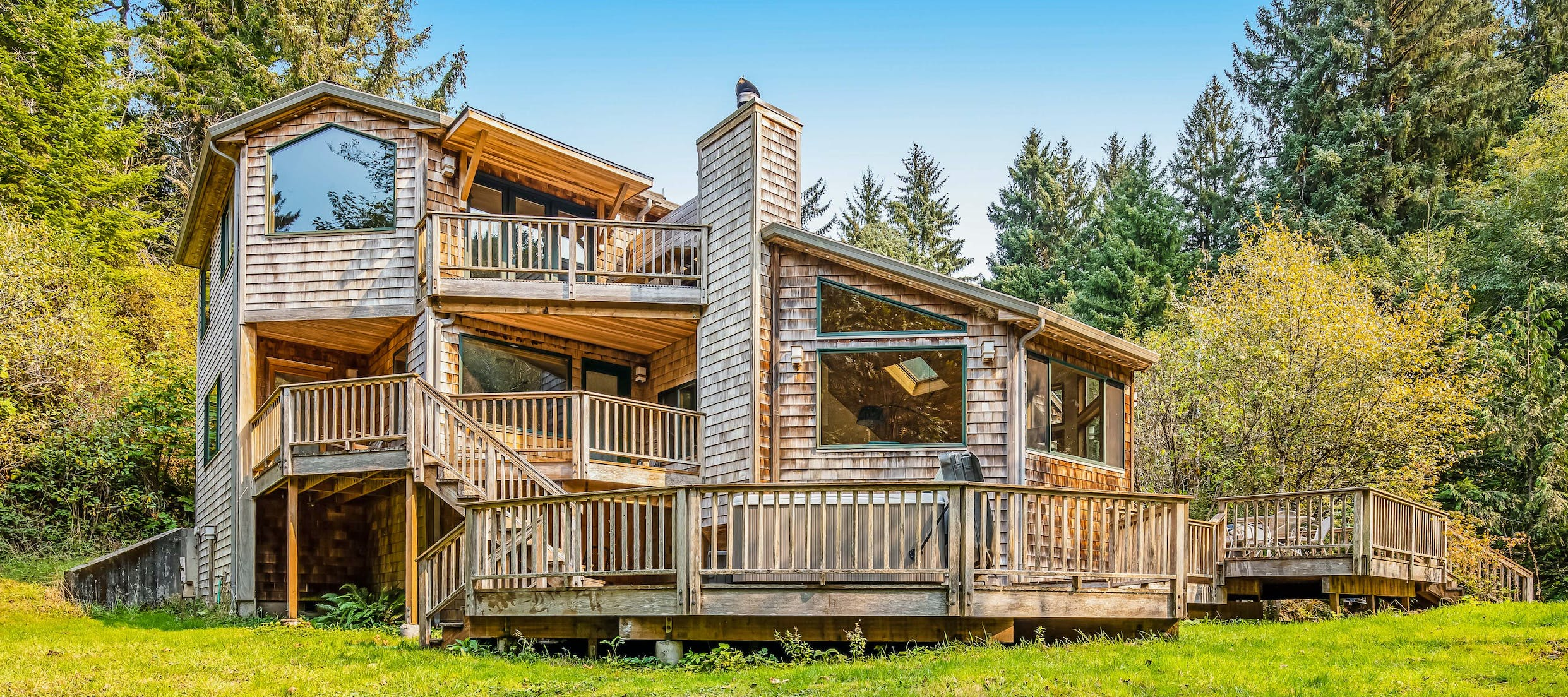 large vacation home in cloverdale