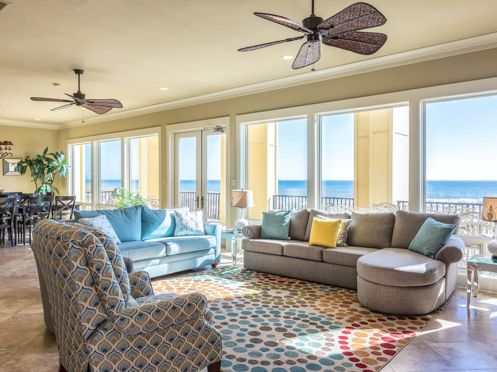 living area of Alabama Wedding-Friendly Vacation Rental