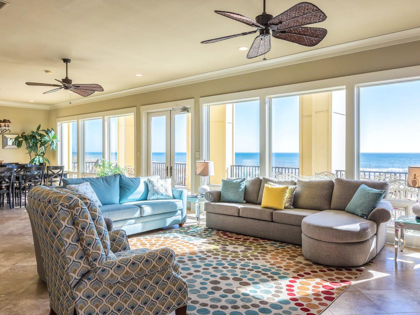 living area of Alabama Wedding-Friendly Vacation Rental