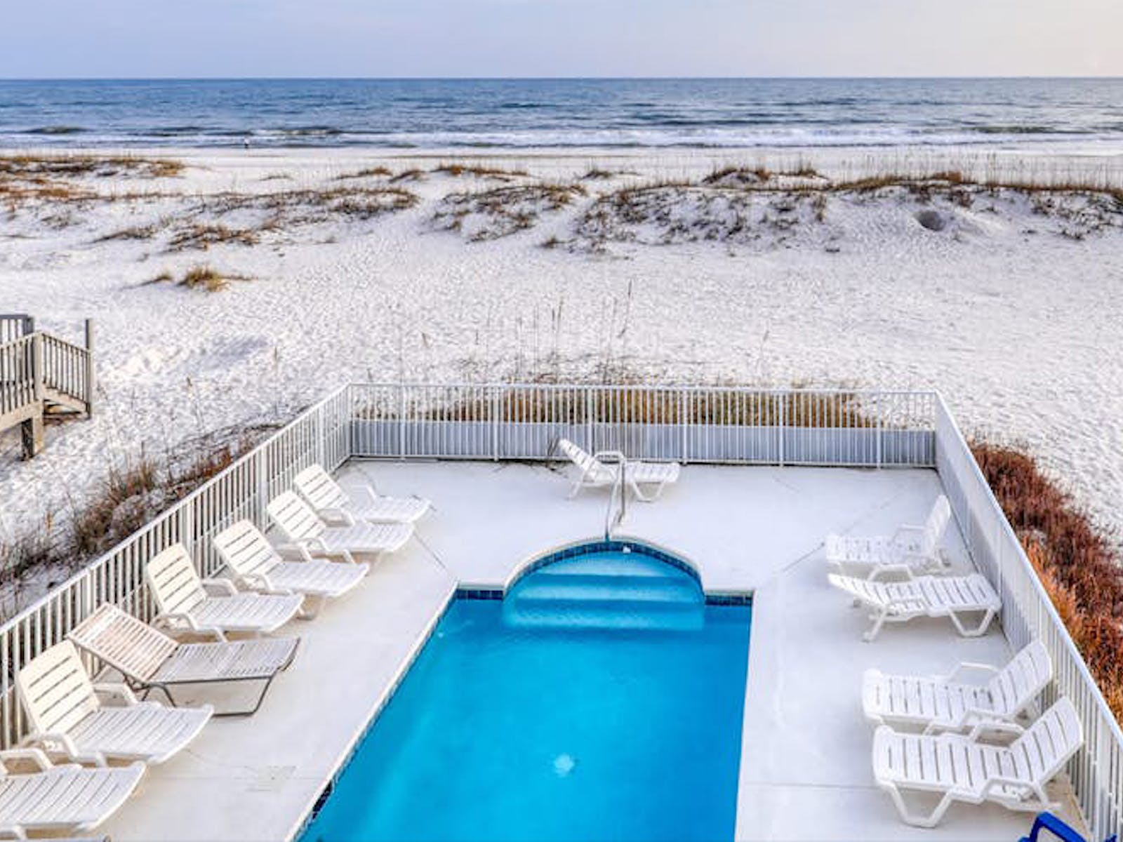 Alabama Gulf-front Wedding Rental with a pool