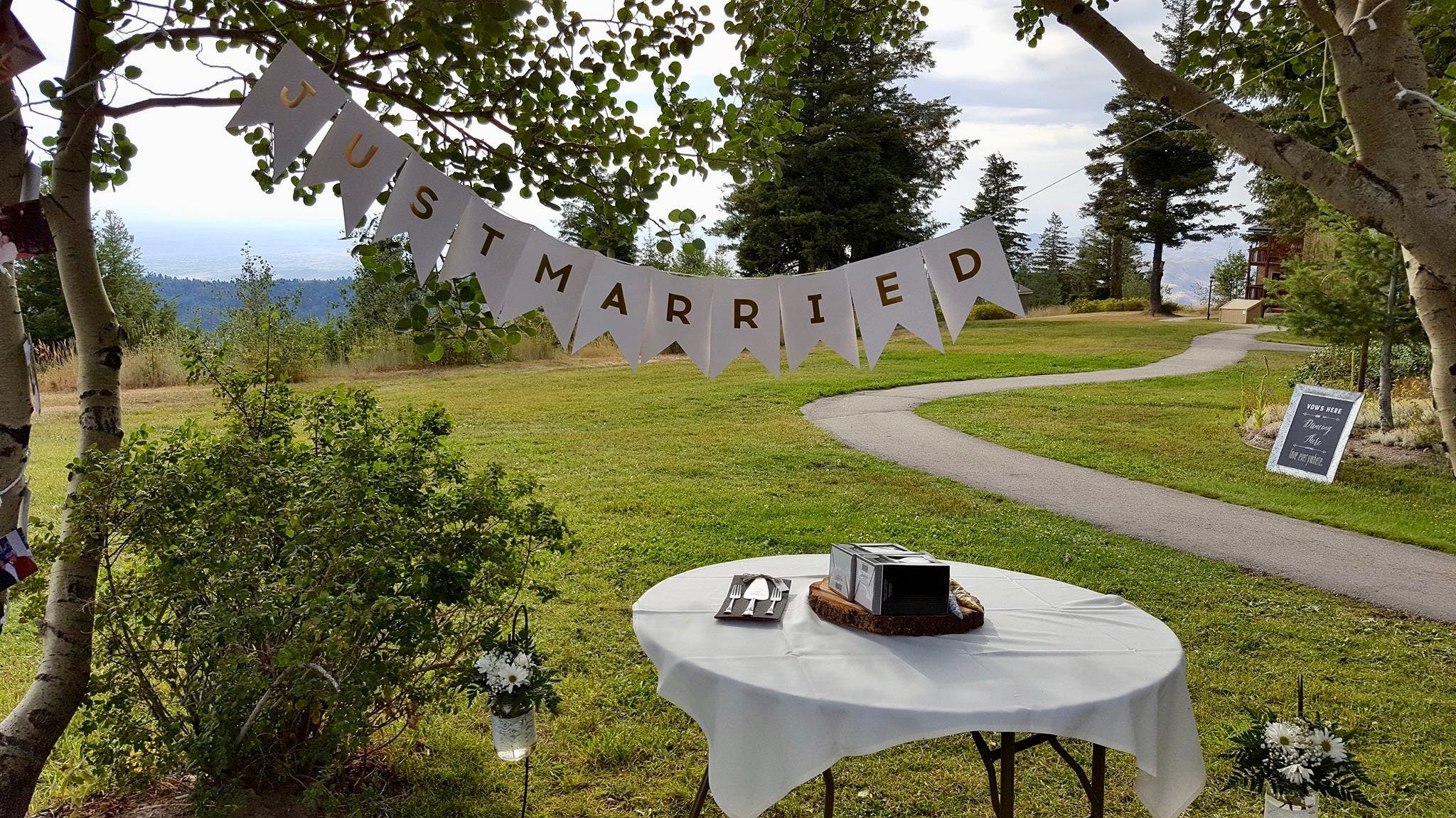 Bogus Basin Wedding featured Just Married sign