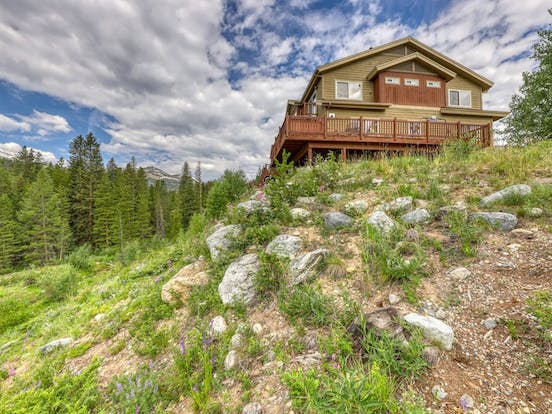 Large cabin rental in Colorado