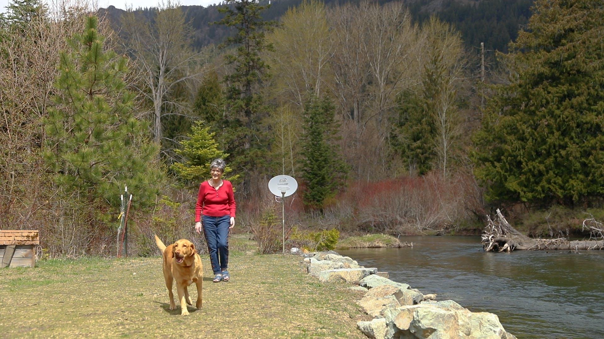 Vacasa homeowner Diane and her dog