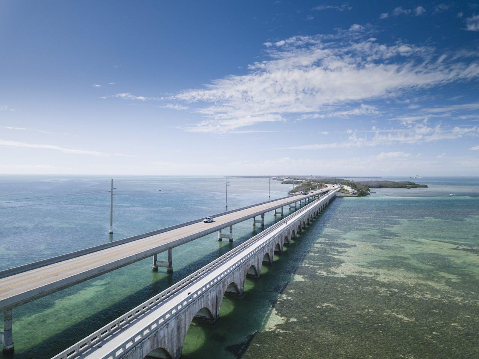 Roadway over the ocean in Marathon, FL
