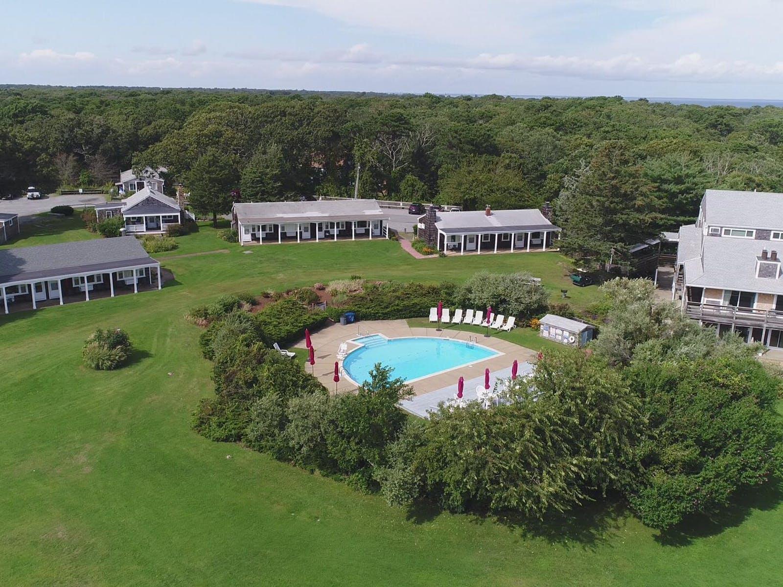 Marthas Vineyard MA wedding rentals with outdoor pool