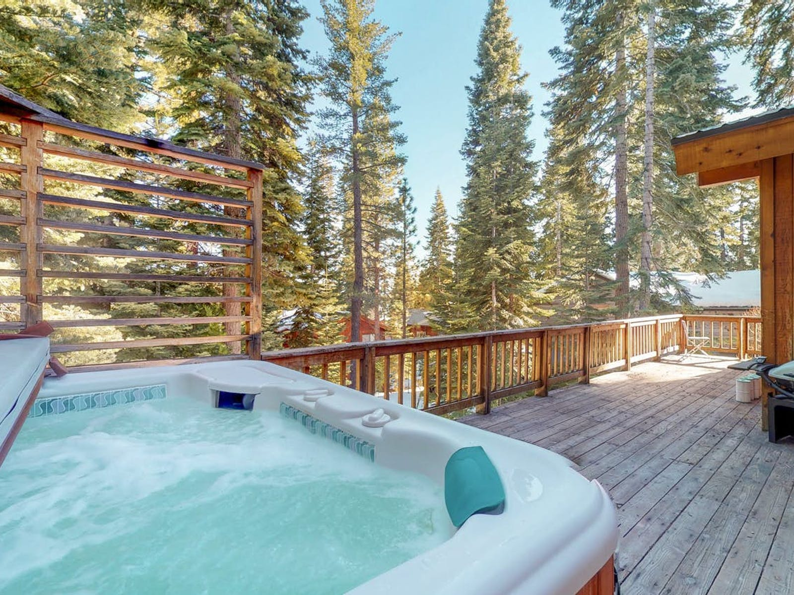 outdoor hot tub of North Lake Tahoe cabin