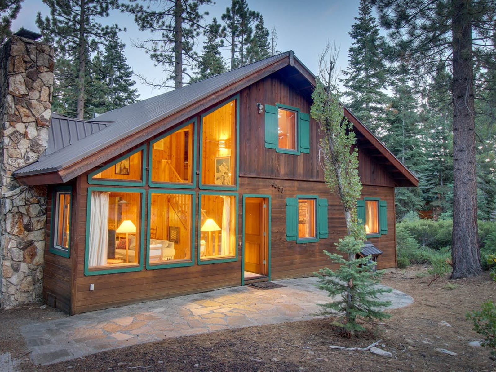 warm and inviting Northstar-Truckee cabin