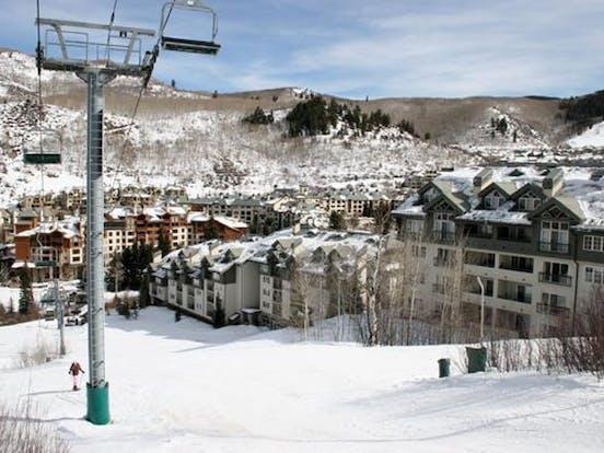 the borders lodge ski lift in colorado