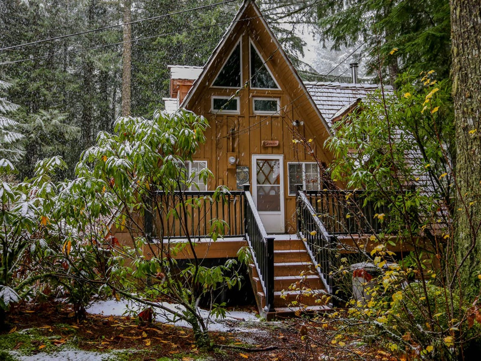 A-frame cabin rental located in Rhododendron, OR