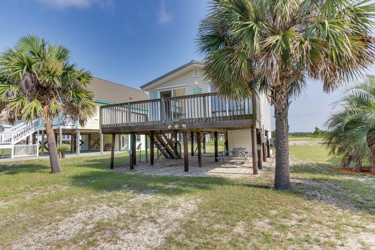the exterior of a vacation home in Gulf Shores