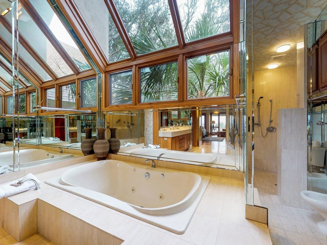 Vacation rental master bathroom