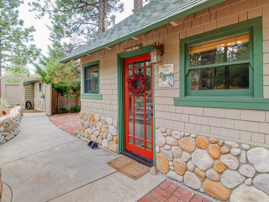 Red front door of 2 bedroom Big Bear Lake, CA vacation rental
