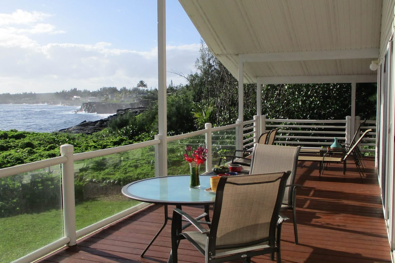 Vacation rental on the Big Island with deck overlooking the ocean