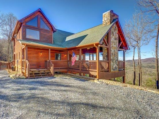 Luxury cabin located in Mineral Bluff, GA