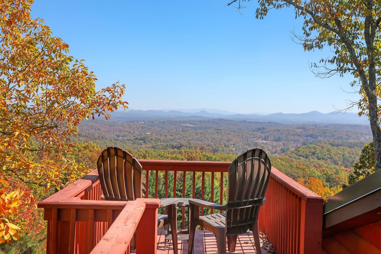 Spectacular year-round views of the beautiful North Georgia mountains from the Blue Ridge, GA vacation rental