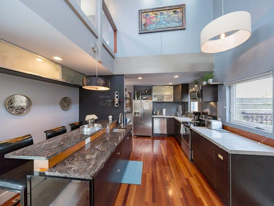 Large kitchen and seating area of Nashville rental