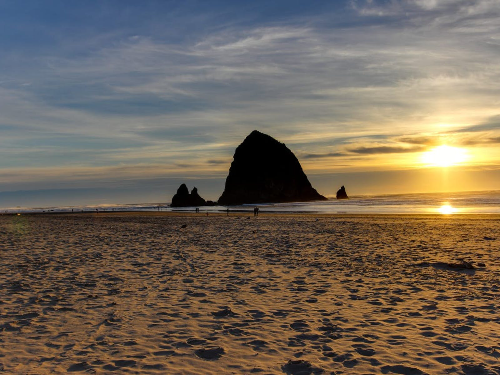 Haystack rock located in Cannon Beach, OR