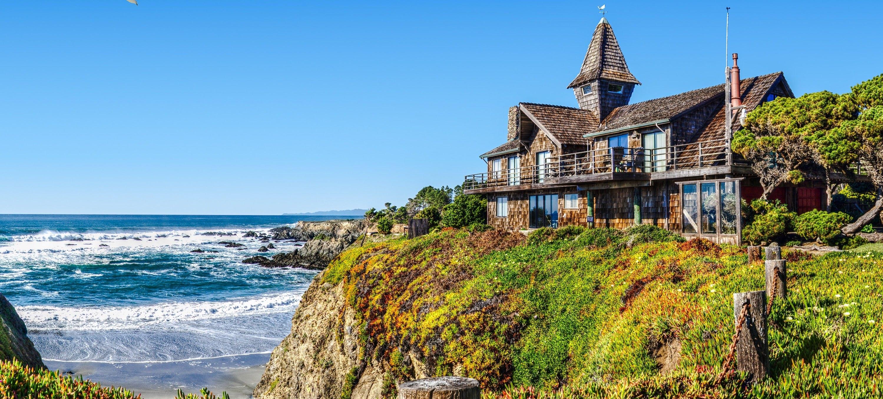 Fort Bragg, CA Cliffside Beach House Vacation Rental