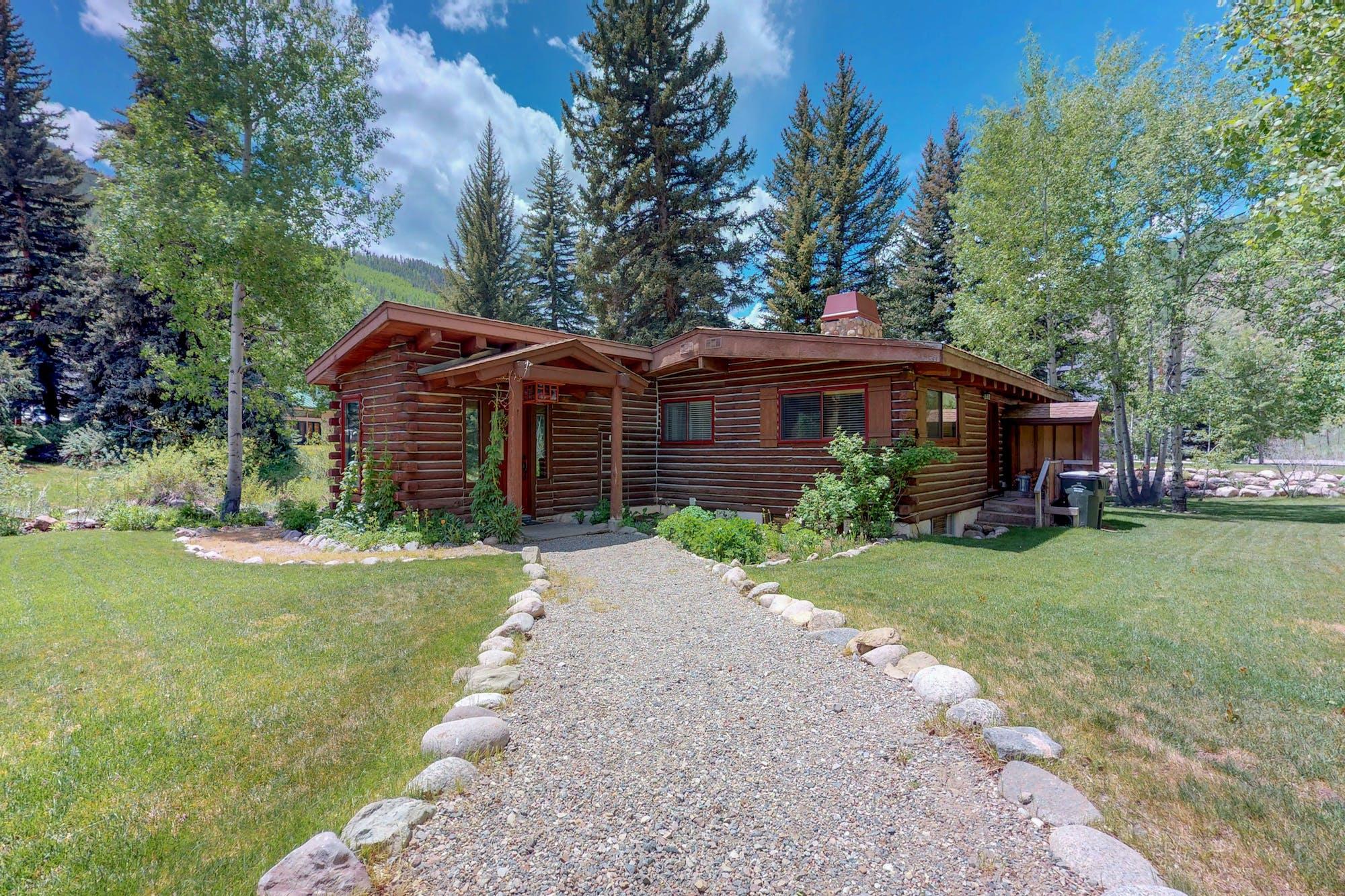 Cozy Creek Cabin located in Vail, Colorado