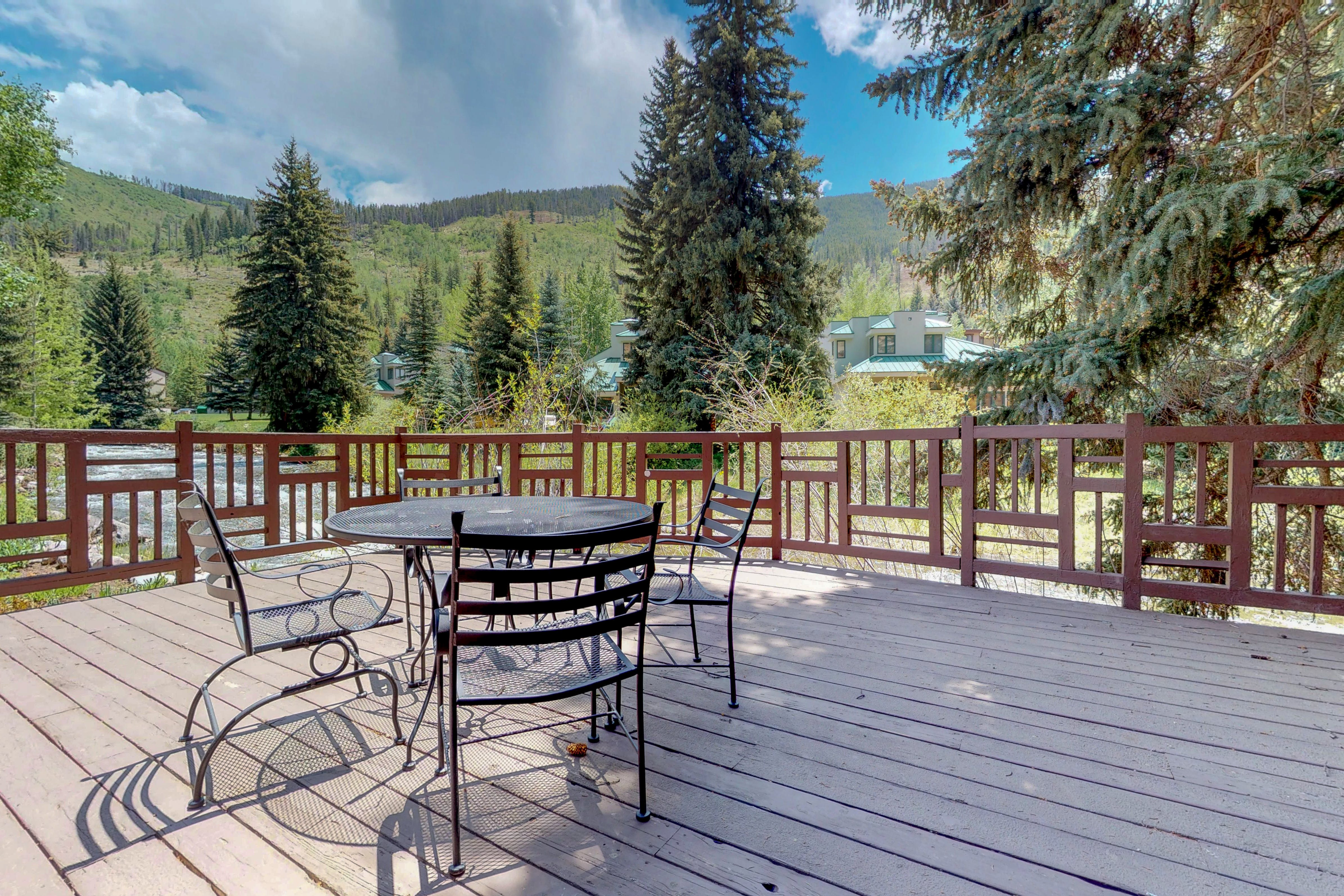 Vail vacation cabin with deck overlooking beautiful river