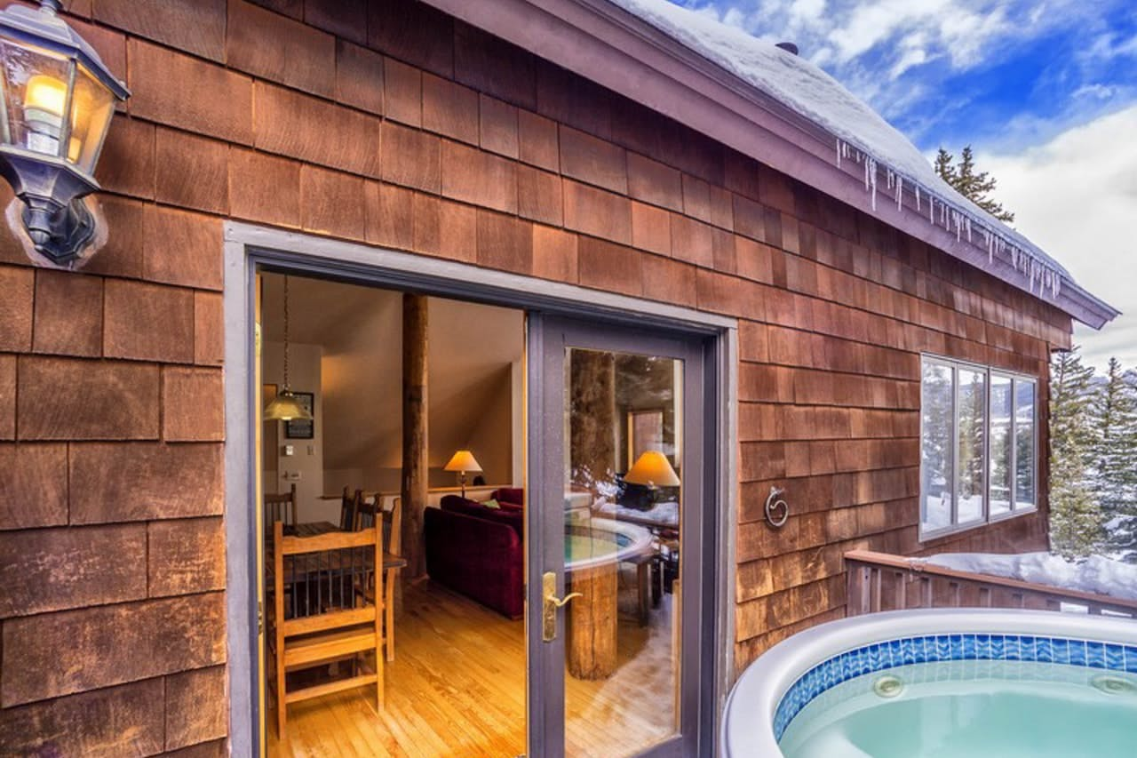 Vacation rental with private hot tub located in Dillon, CO