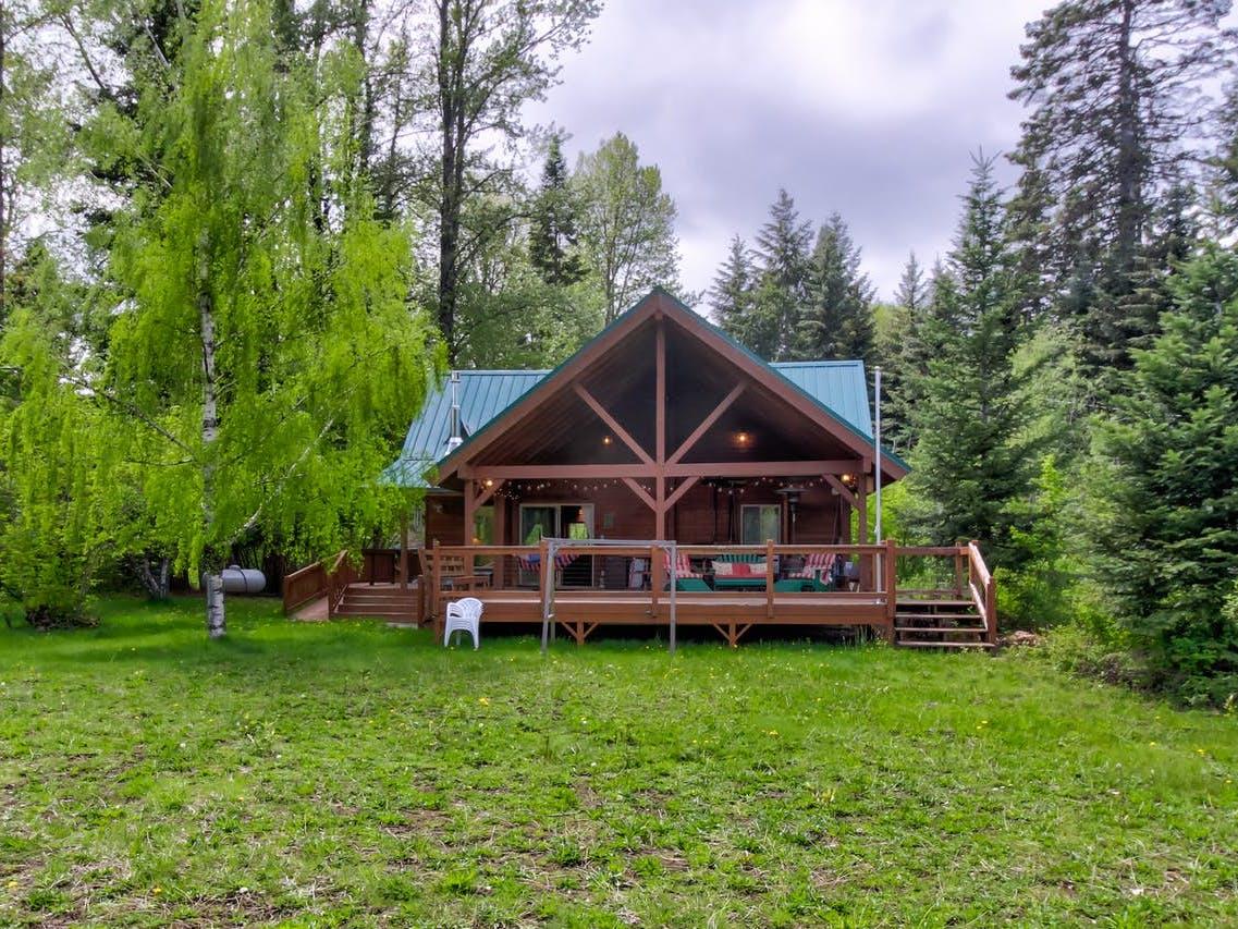 Homeowner Diane's Vacasa vacation cabin