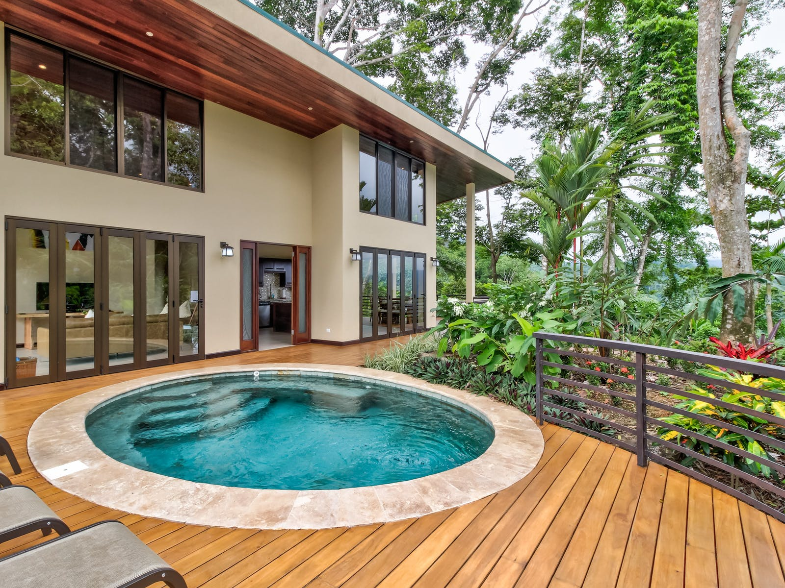 Hot tub on back deck of Costa Rica vacation rental