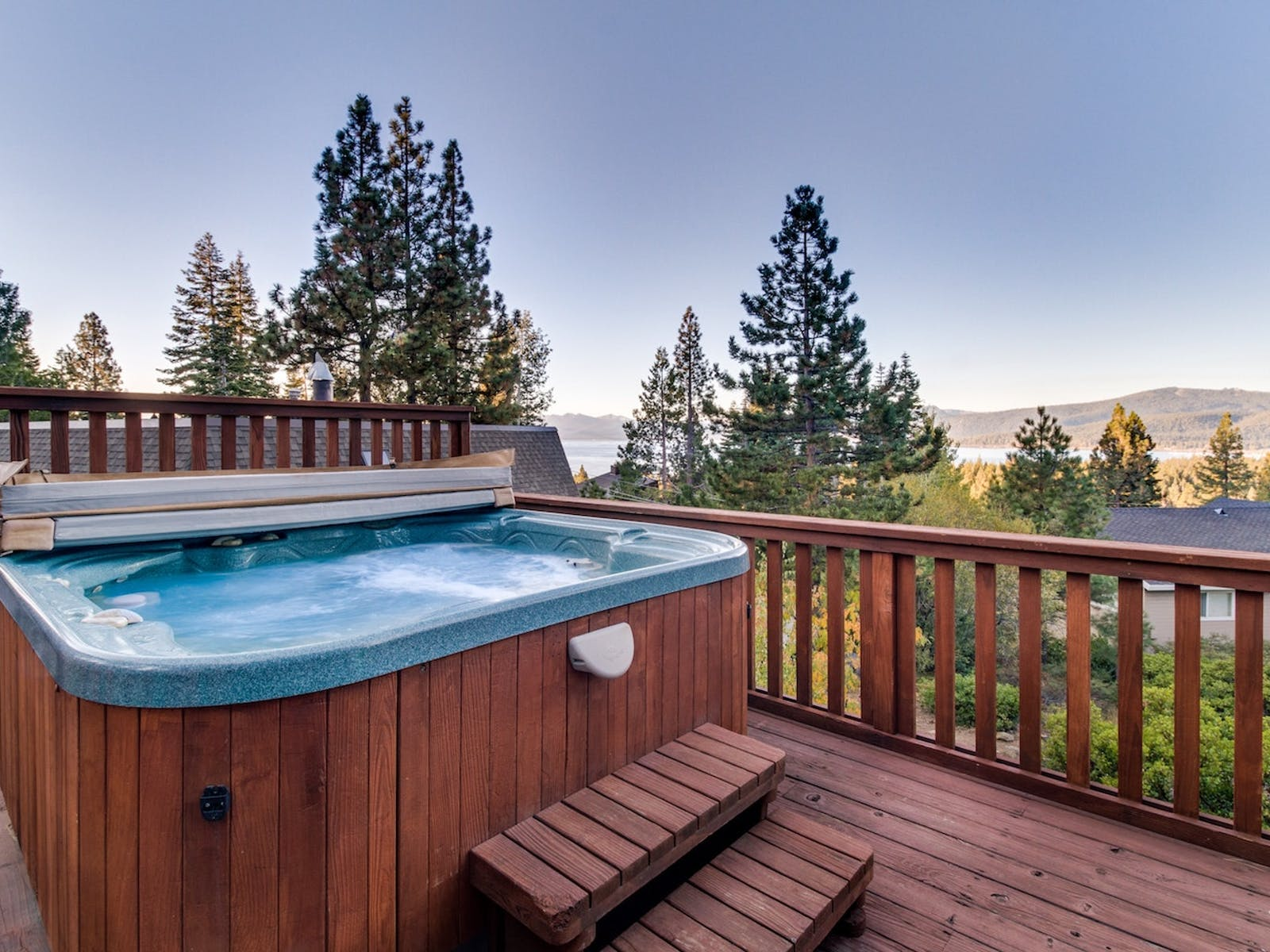 Vacation rental in Lake Tahoe with hot tub and lake views