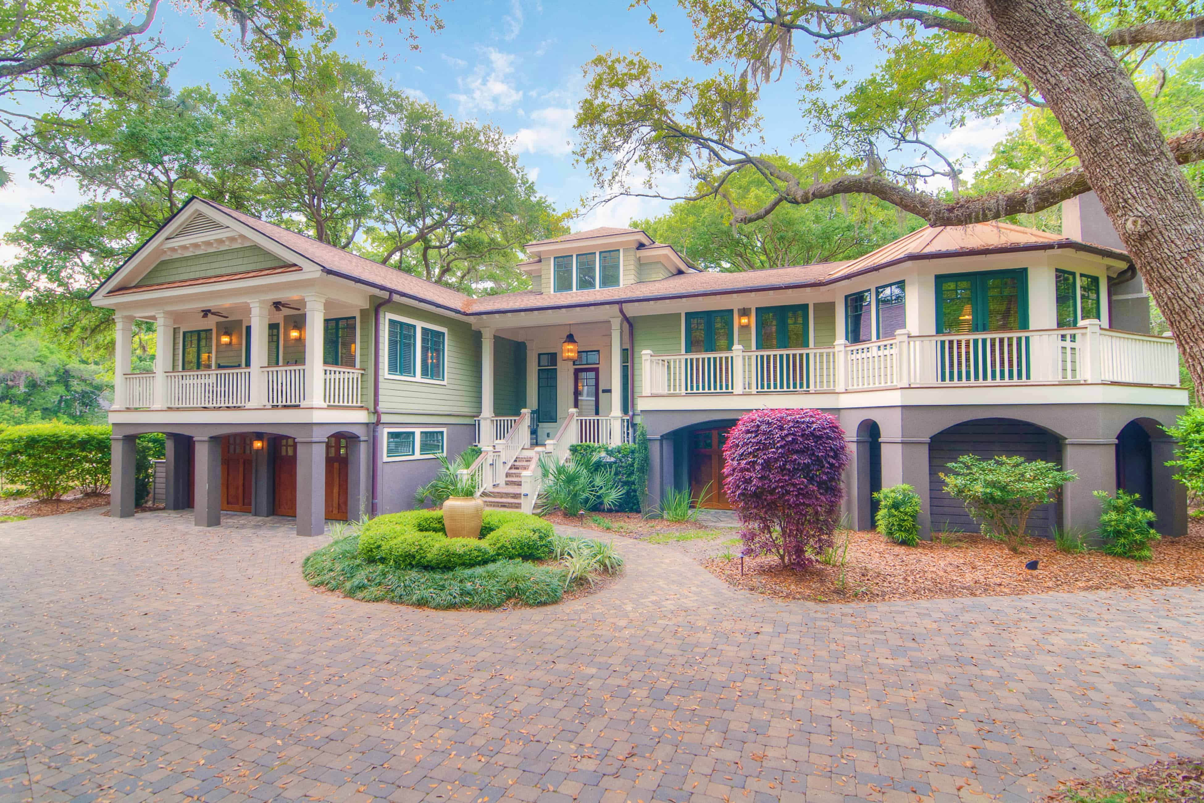 exterior beautiful home in kiawah island