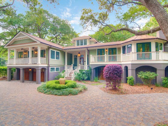 Vacation rental in Kiawah Island, SC with front courtyard
