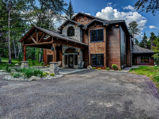 lodge in northwoods, wi