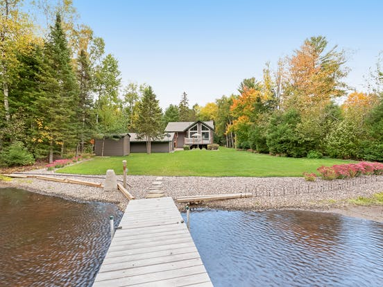 Vacation rental in Wisconsin with private dock