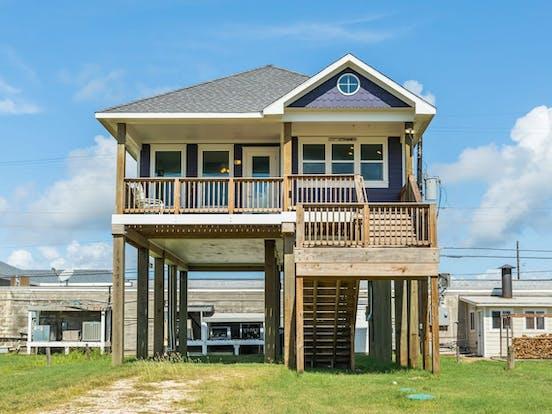 Beach house rental located in Galveston, TX