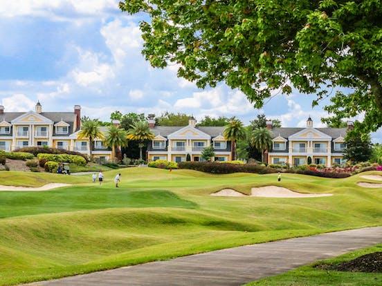 Florida vacation rentals on a golf course near Disney World