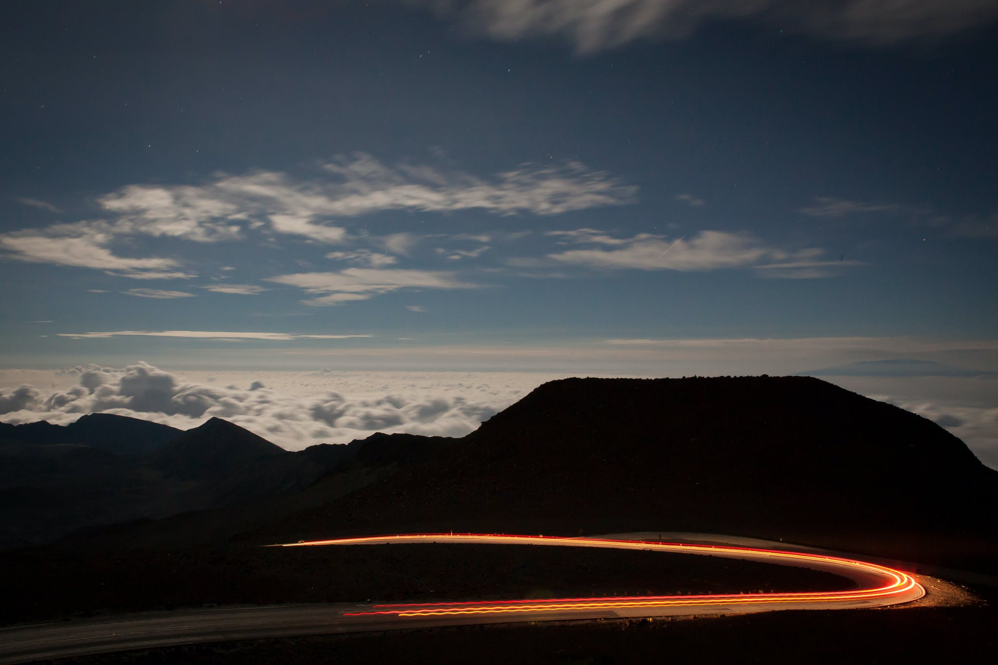 cars going down the mountain from haleakala
