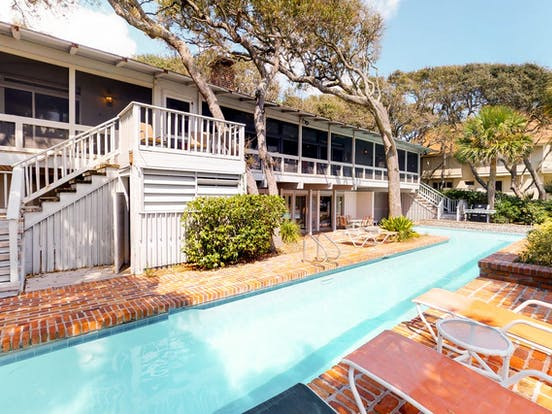private outdoor lap pool of Hilton Head vacation rental