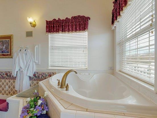 Judith Ann Inn honeymoon suite with jacuzzi tub