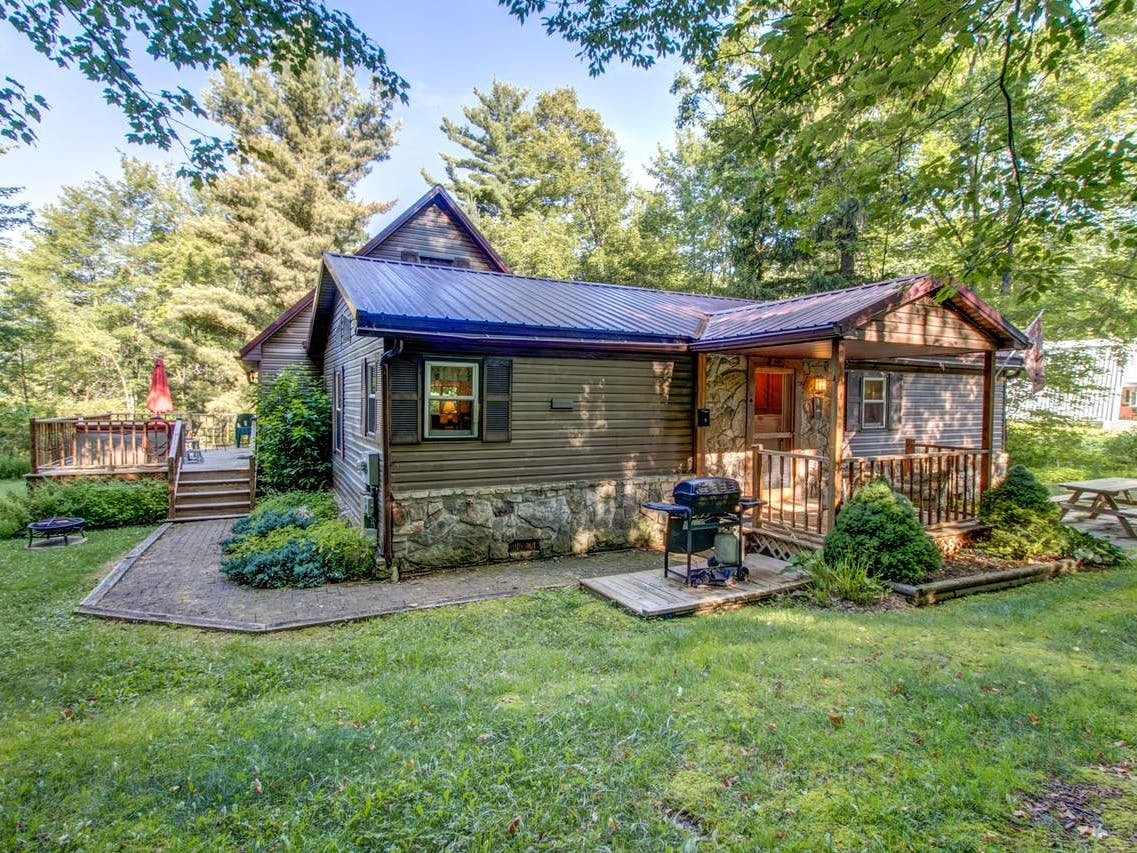 Homeowner Karen's vacation rental in McHenry, MD