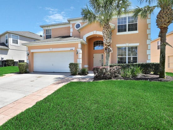 Brightly colored vacation home in Kissimmee, FL