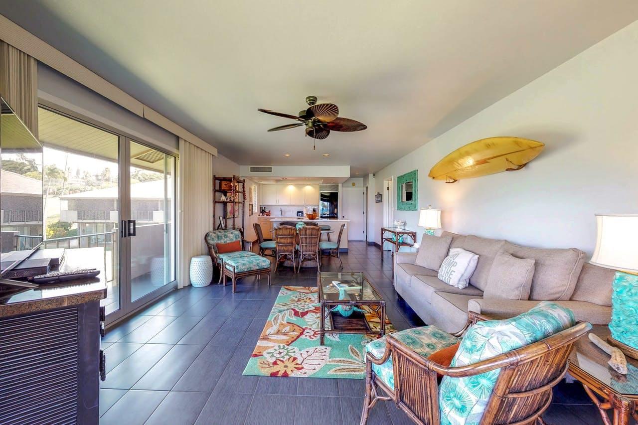 Tropical decor inside a Maui Eldorado resort condo rental