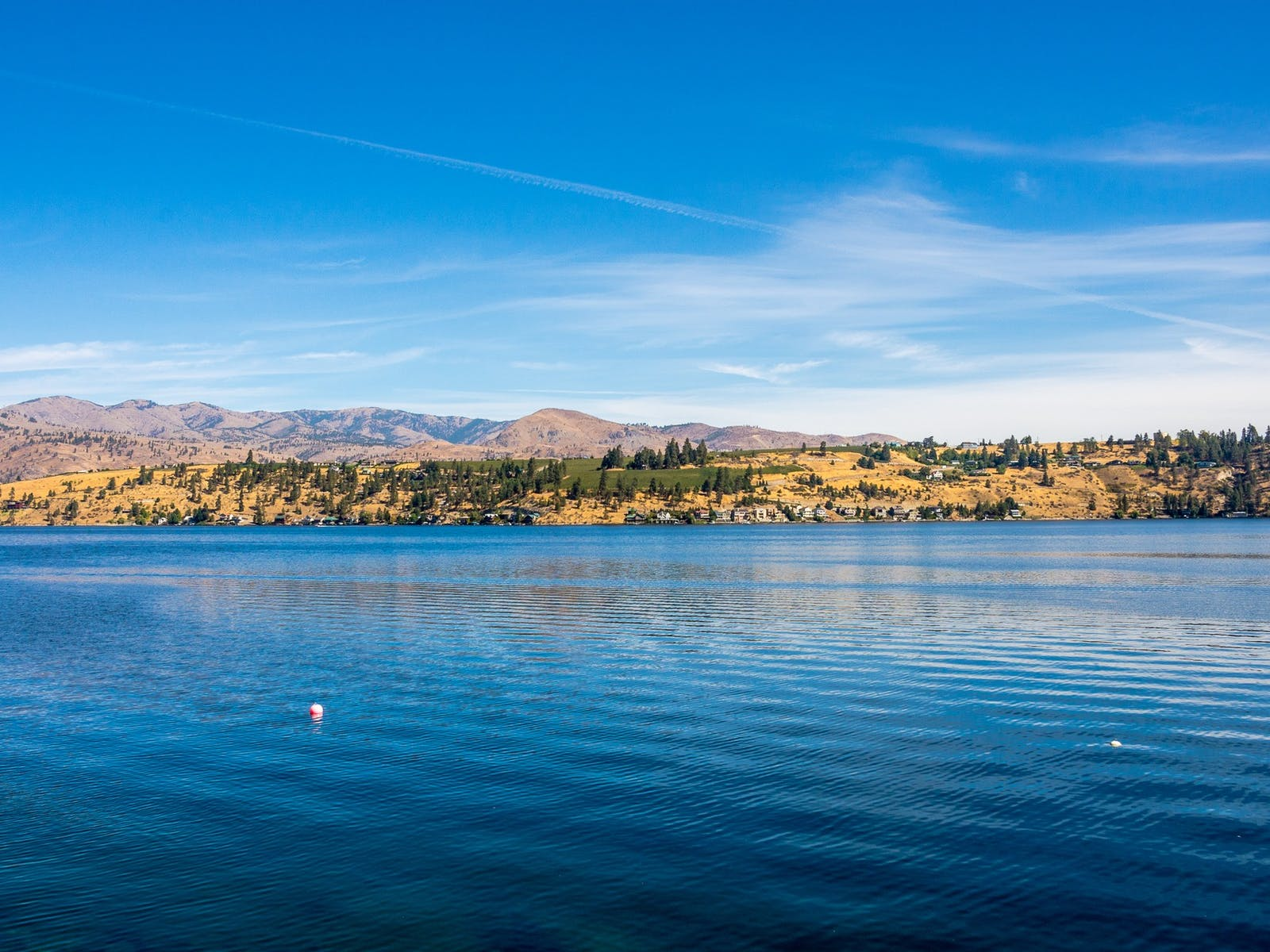 Lake Chelan surrounded by mountains
