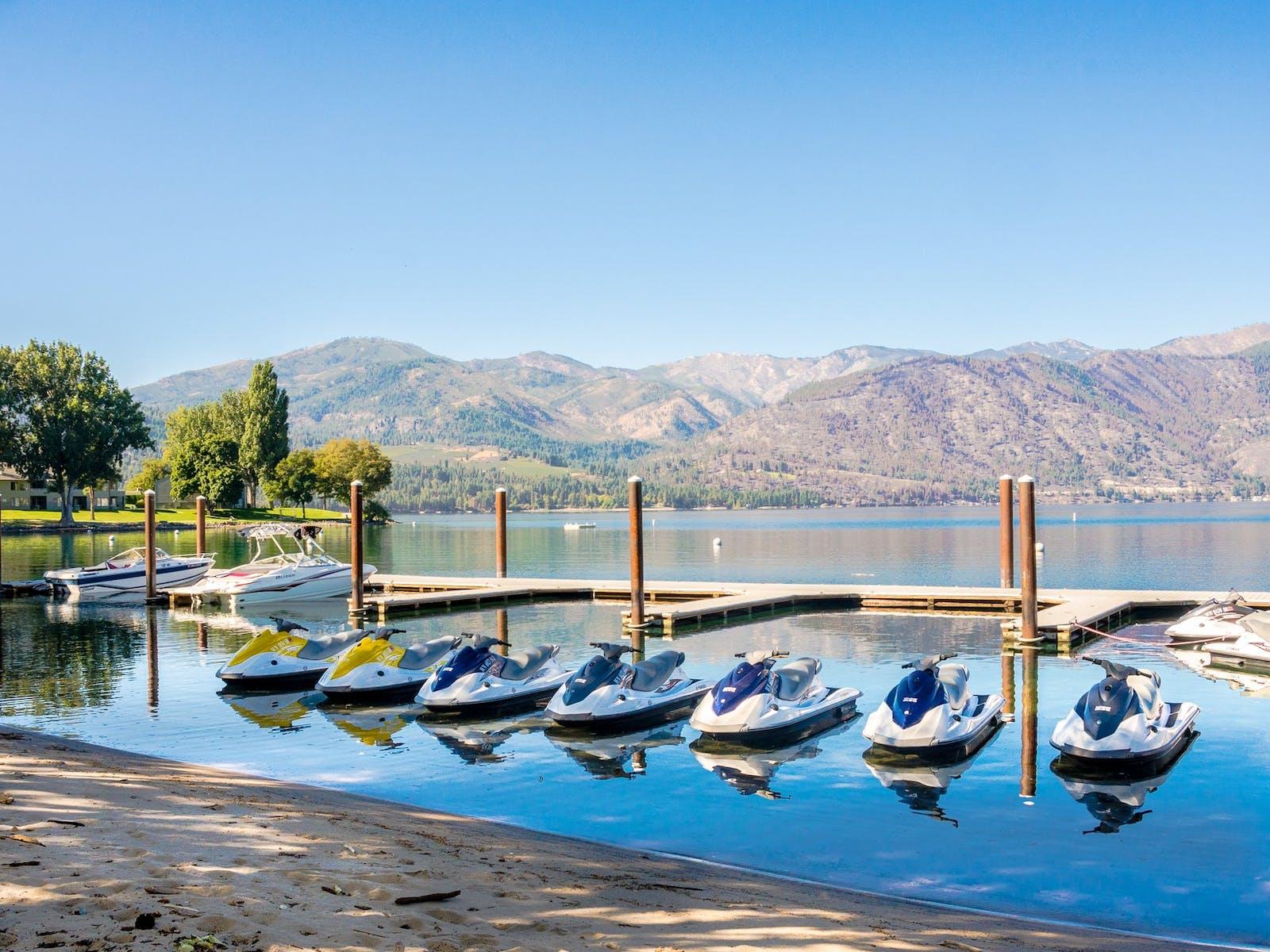 Jet skis in Lake Chelan