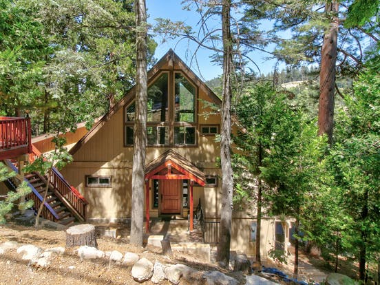 Lake Arrowhead vacation rental surrounded by trees