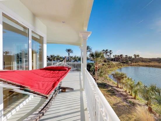 Hammock on balcony of Florida lakefront vacation rental