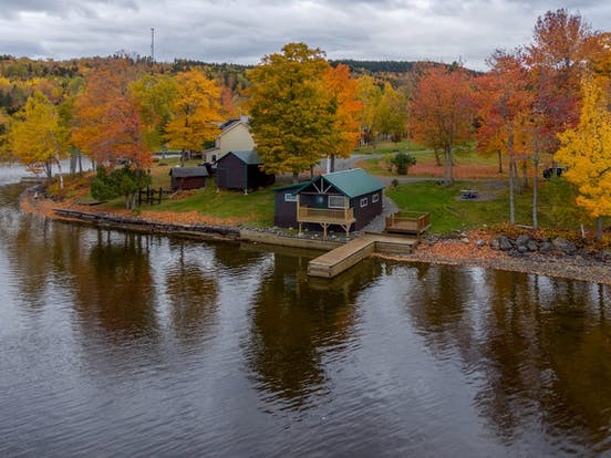 Lakefront cabin rental with a dock in Maine