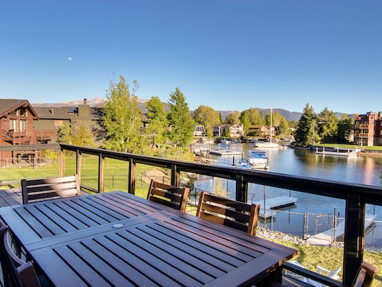 lake tahoe vacation rental right on the water